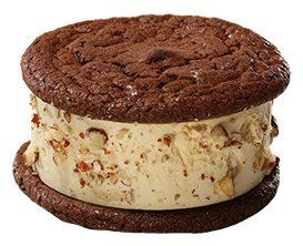 nyes-cream-sandwiches-turtle-cheesecake